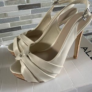 ALDO Beige Leather Peep Toe Heels Women's Sz 6 36